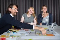 Kreatives Brainstorming zur Büroplanung